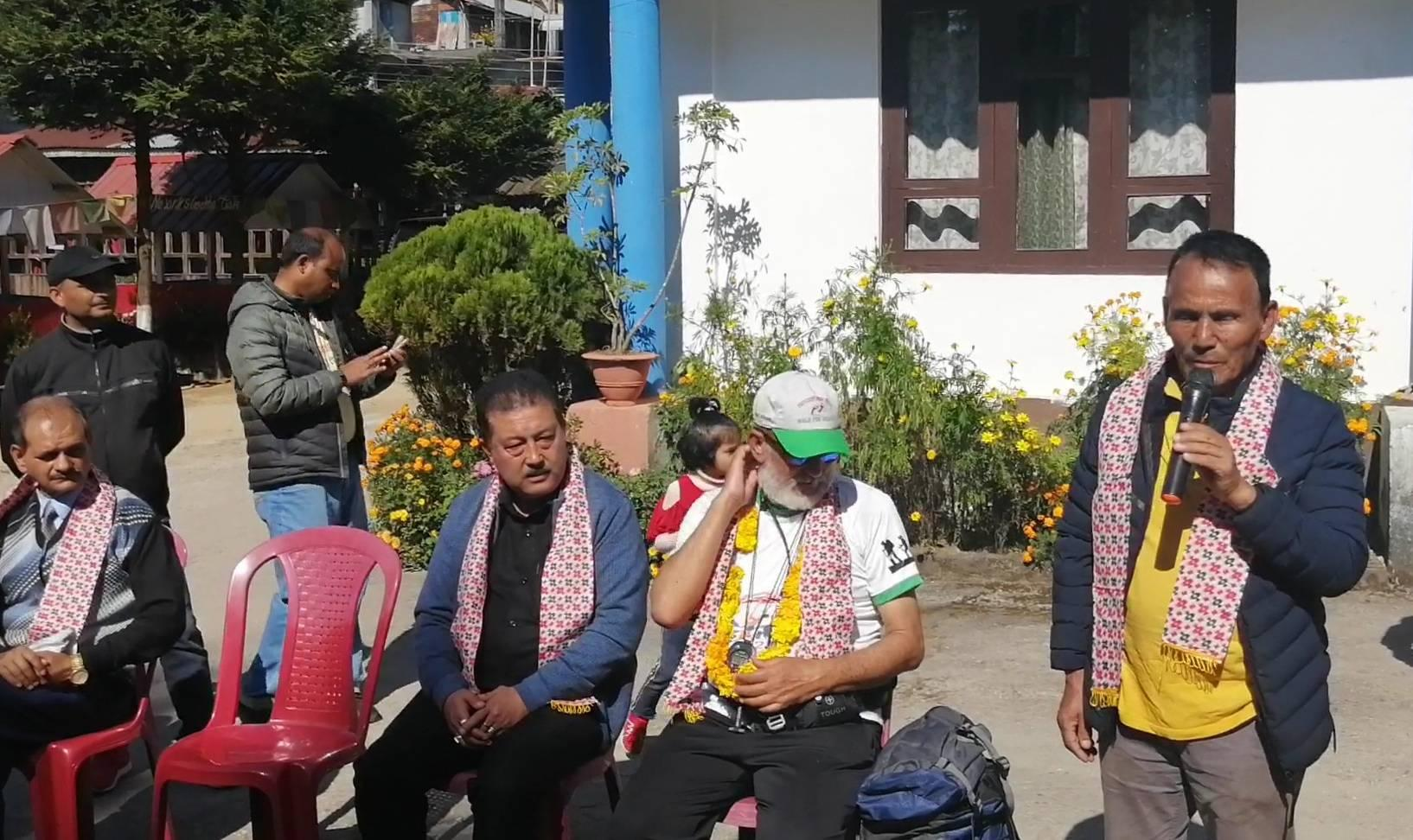 mirik municipality chief LB Rai welcoming Nepali hikers from dharan pradeshportal.com birat anupam